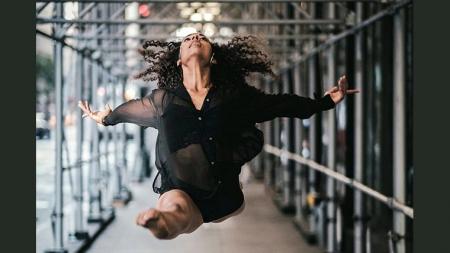 «Ισορροπία και Ορμή»   Χοροθεραπεία με τη Λήδα Shantala
