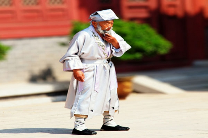 Ο 256 Ετών Κινέζος Βοτανολόγος Ολιστικής Ιατρικής Li Ching-Yuen Και Οι 15 Συμπεριφορές Που Προκαλούν Ασθένειες