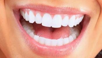 Ελληνίδα επιστήμονας που εφηύρε ουσία που αναπλάθει φυσικά τα δόντια - Αμαλία Αγγελή