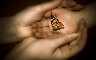 Ένα παιδί γεννά το γονιό του από την Αγγελική Μπολουδάκη
